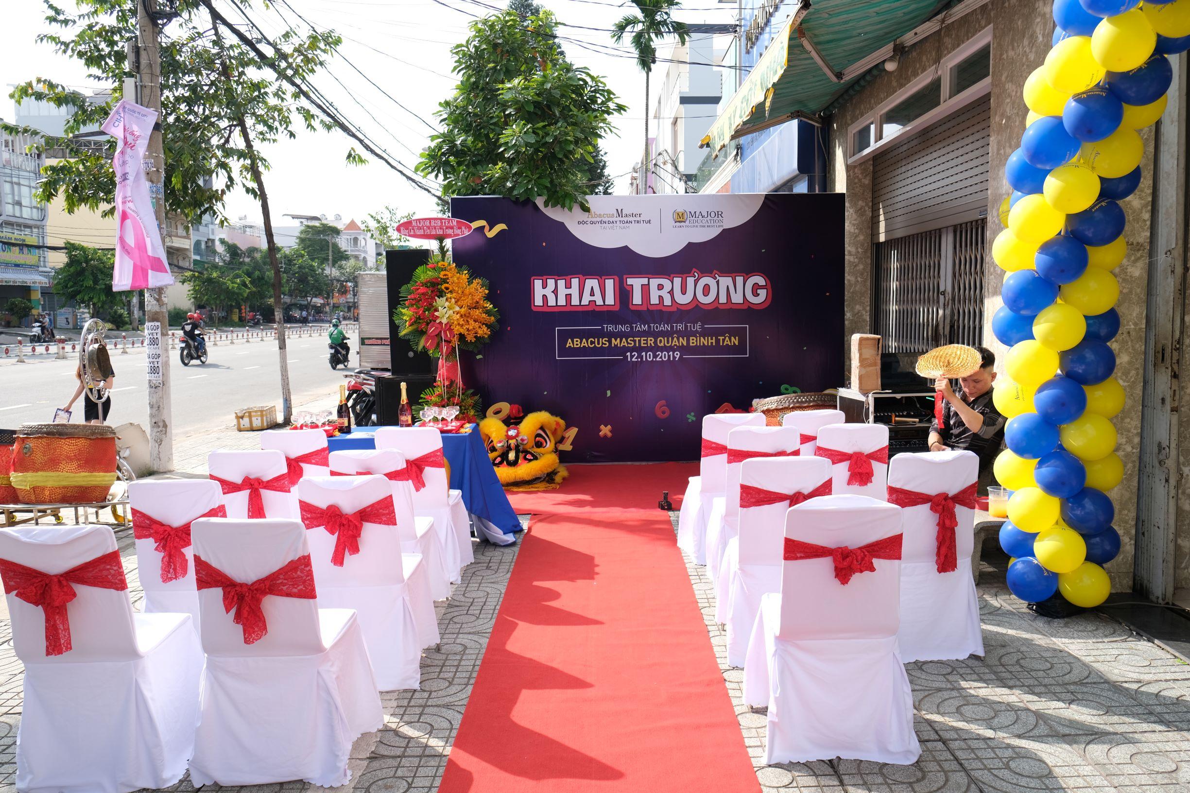 Khai trương trung tâm toán trí tuệ quận Bình Tân